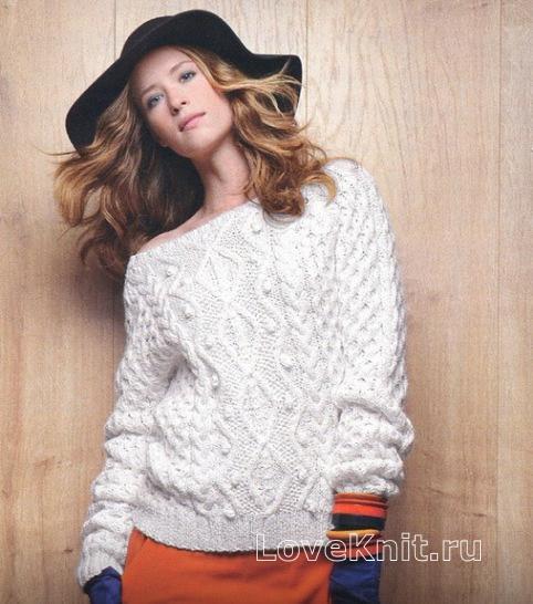 белый пуловер с рельефным узором из кос и ромбов схема спицами
