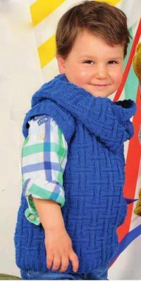 Как связать  безрукавка для мальчика с рельефным узором и воротник-снуд
