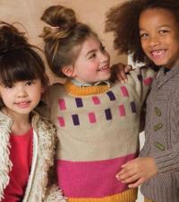 Как связать  детский пуловер с цветными вставками