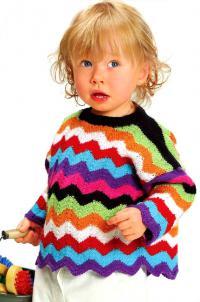 Как связать  детский пуловер в цветную полоску