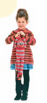 Как связать  удлиненный пуловер в полоску для девочки