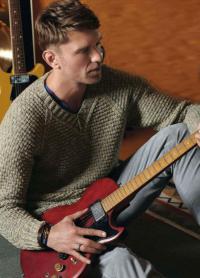 Как связать для мужчин классический пуловер c v-образным вырезом