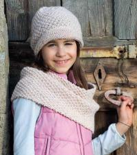 Как связать  шапка и снуд для девочки с жемчужным узором