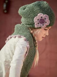 Как связать  шапочка и шарфик с контрастным цветком