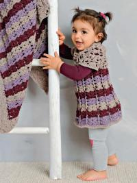 """Как связать  детское платье в полоску и покрывало с узором """"ракушка"""""""
