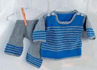 Как связать  костюм из штанишек и пуловера в полоску
