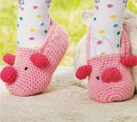 Как связать  детские оригинальные тапочки «свинка» с ушками