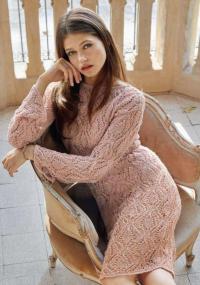Как связать спицами ажурное обтягивающее платье