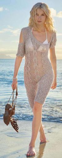 Как связать спицами ажурное платье с асимметричным вырезом