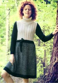 Как связать спицами цветное платье с поясом
