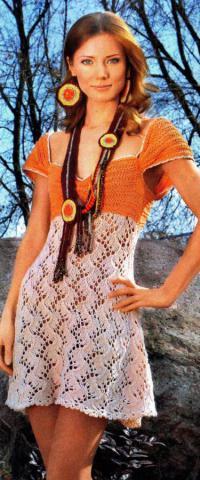 Как связать спицами летнее платье с глубоким вырезом и ажурной юбкой