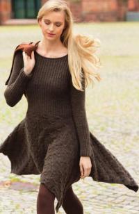 Как связать спицами платье с широкой юбкой и асимметричным подолом