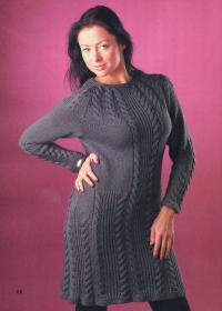 Как связать спицами серое платье с длинными рукавами