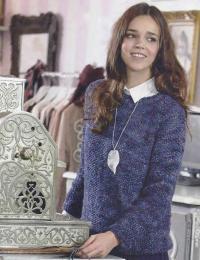 Как связать спицами классический пуловер с круглым воротником