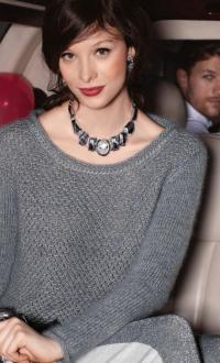 Как связать спицами классический пуловер с узором из снятых петель