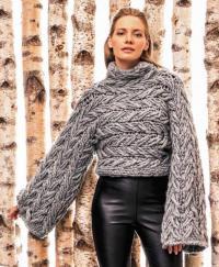 Как связать спицами короткий пуловер крупной вязки с широкими рукавами