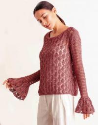 Как связать спицами кружевной пуловер с расклешенными рукавами