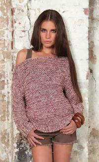 Как связать спицами меланжевый пуловер с открытыми плечами