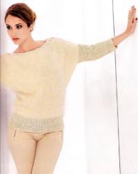 Как связать спицами пуловер с косой у горловины