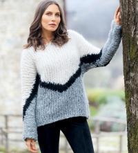 Как связать спицами пушистый трехцветный пуловер оверсайз