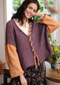 Как связать спицами широкий пуловер с контрастными рукавами и шнуровкой