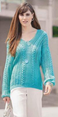 Как связать спицами удлиненный пуловер с узорами из кос