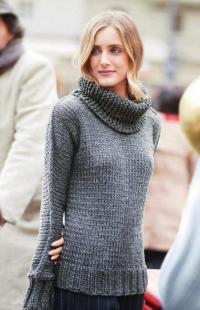 Как связать спицами удлиненный свитер с широкой резинкой и снуд