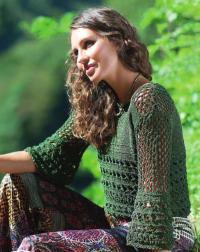 Как связать спицами узорчатый пуловер с ажурными рукавами