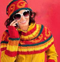 Как связать спицами цветная накидка, шапочка и митенки с жаккардовым узором