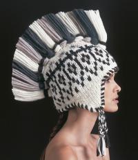 Как связать спицами шапка в этно стиле с жаккардовым узором