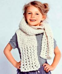 Как связать спицами ажурный шарфик для ребенка