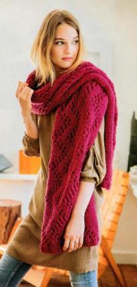 Как связать спицами крупный ажурный шарф