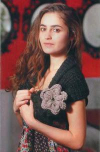 Как связать спицами накидка-шарф с цветком