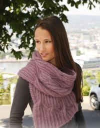 Как связать спицами объемный мохеровый шарф