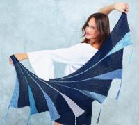 Как связать спицами разноцветный платок с оригинальным узором