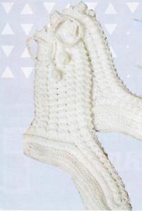 Как связать спицами высокие носки с завязками