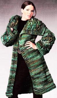 Как связать спицами пальто с объемными рукавами и воротником