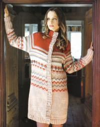 Как связать спицами теплое пальто с орнаментом