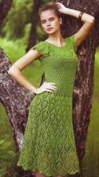 Приталенное платья крючком