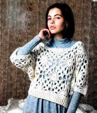 Как связать крючком свободный укороченный пуловер с ажурным узором