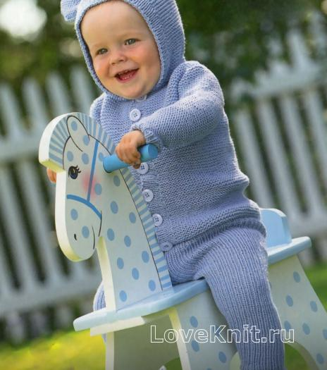 Как связать  голубой комплект для малыша из штанишек и кофточки с капюшоном