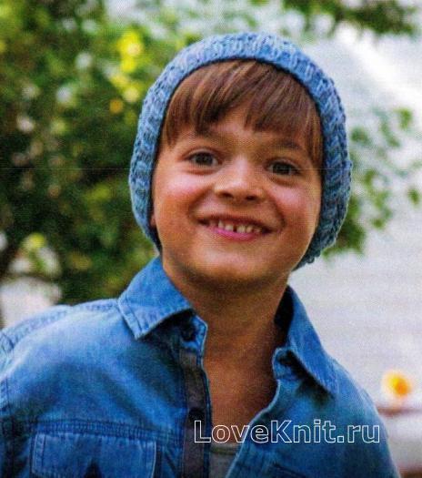 Как связать  шапочка с рельефным узором для мальчика