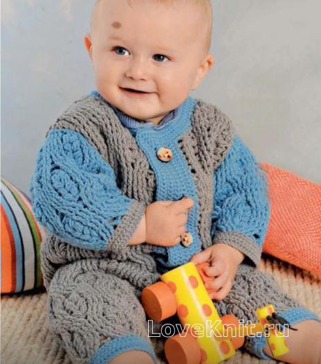 Как связать  двухцветный комбинезон и пинетки для малыша