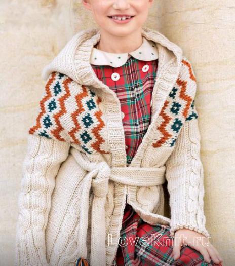 Как связать  жаккардовое пальто с капюшоном на поясе для девочки