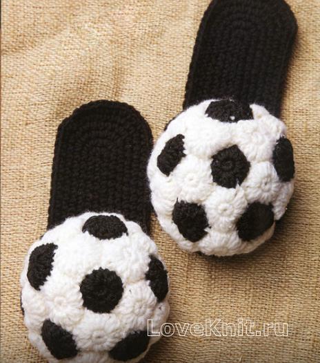 Как связать крючком мужские тапочки в форме футбольного мяча