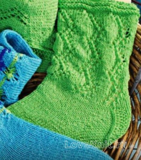 Как связать крючком носки с ажурным зигзагом