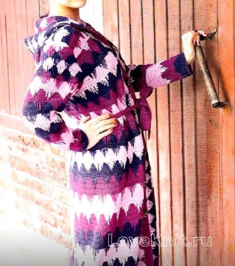 Как связать крючком разноцветное пальто в полоску