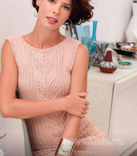 Как связать спицами ажурное платье-футляр без рукавов и пончо на одно плечо