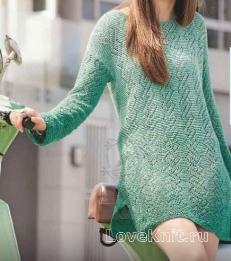 Как связать спицами ажурное платье-туника с разрезами по бокам