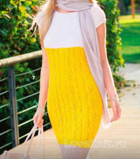 Как связать спицами цветное облегающее платье с коротким рукавом